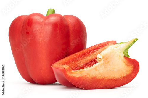 Fotomural Group of one whole one slice of bright red bell pepper isolated on white backgro