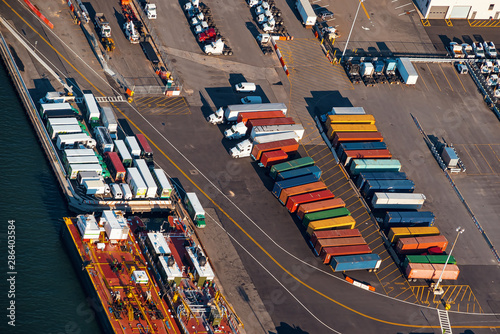 Fototapety, obrazy: Shipping container frieght yard in Brooklyn, New York