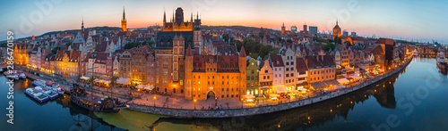 Fototapeta Panorama of the old town in Gdansk at dusk, Poland. obraz