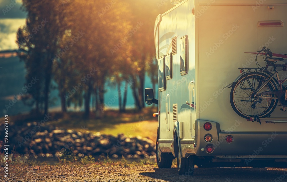 Fototapety, obrazy: Fall RV Camper Camping
