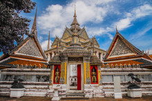 Views Of Wat Pho Temple In Ban...