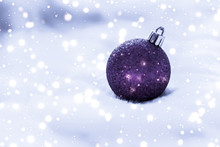 Violet Christmas Baubles On Fluffy Fur With Snow Glitter, Luxury Winter Holiday Design Background