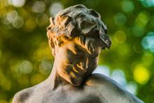 Parc Monceau Statue