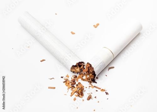 Broken cigarette Tablou Canvas