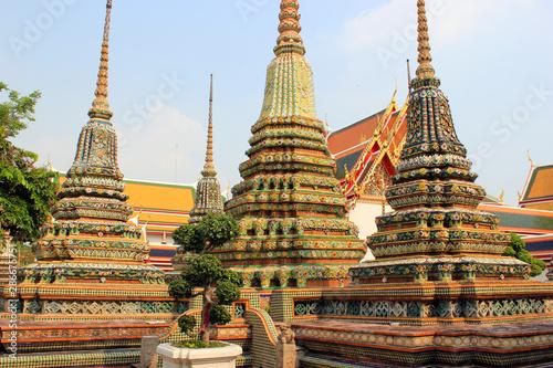 Photo  Stupas of Wat Pho temple Complex, Bangkok