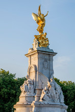 Queen Victoria Monument Buckingham Palace London England