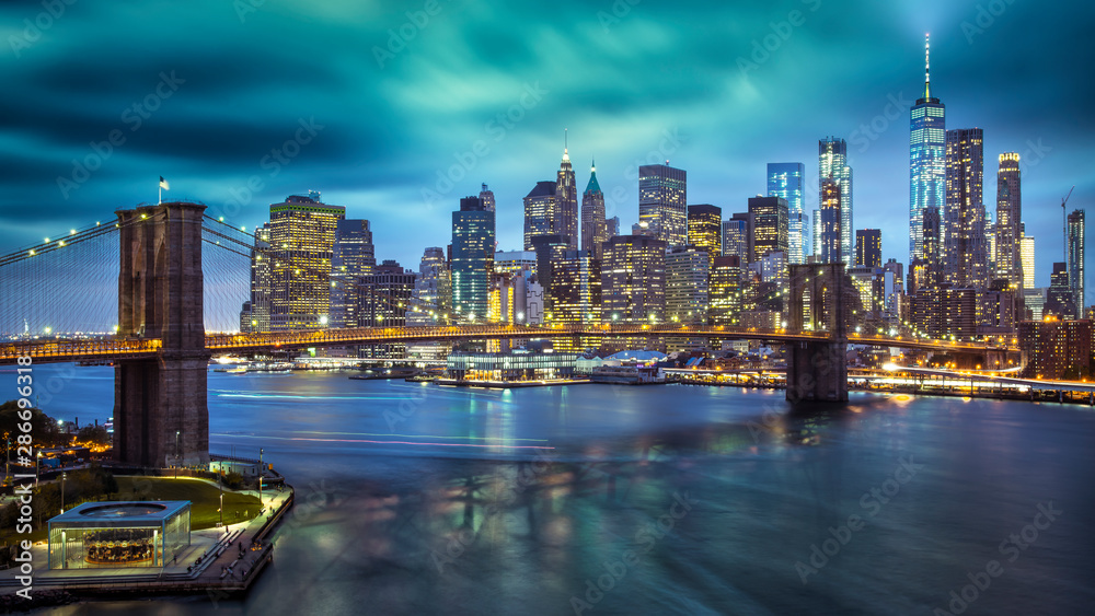 Fototapety, obrazy: a magnificent view of the lower Manhattan and Brooklyn Bridge, New York City