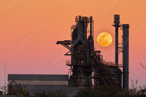 Factory Supermoon