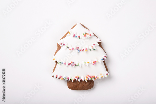 Fotografia  Christmas cookies isolated on white background