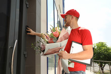 Delivery Man With Beautiful Fl...