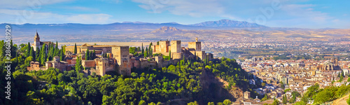 Fotografiet  Panoramic view of the Alhambra and Granada and the Sacromonte in Spain