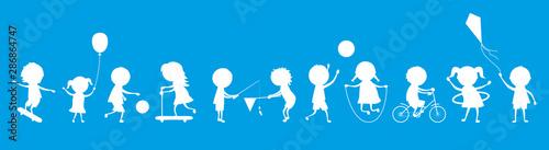 Frise-Enfants-blanc sur fond bleu