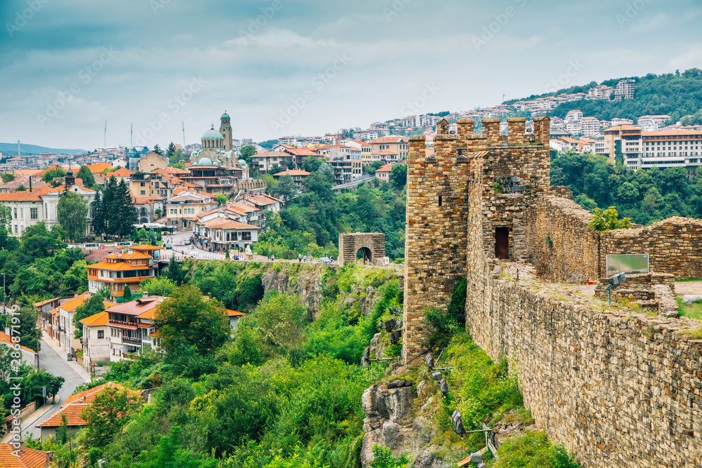 Fototapety, obrazy: Tsarevets Fortress and old town in Veliko Tarnovo, Bulgaria