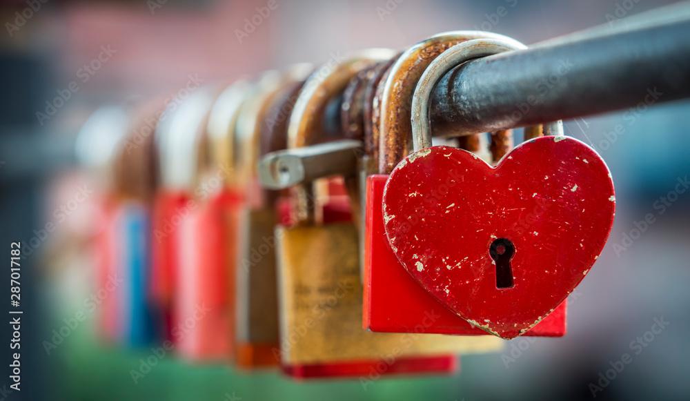Fototapeta Love padlocks