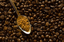 Instant Granulated Coffee In T...