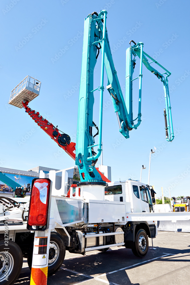 Fototapety, obrazy: Hydraulic support for truck concrete pump