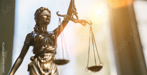 Foto auf Leinwand Orte in Europa Lady Justice Statue