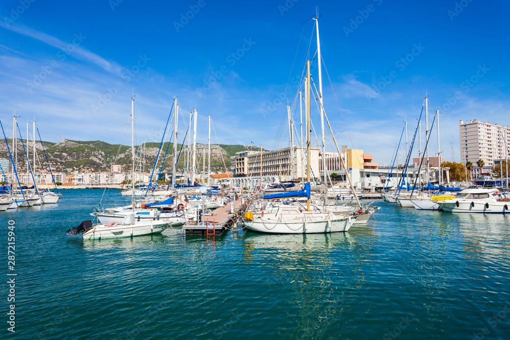 Fototapety, obrazy: Yachts in Toulon port, France