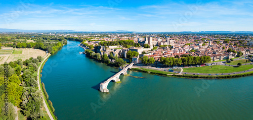 Photo Avignon city aerial view, France