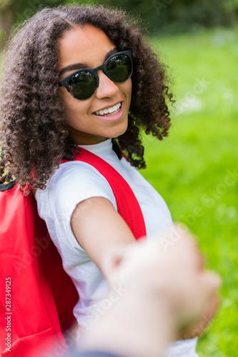 bílá žena interracial