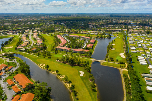 Poster Napels Golf course neighborhoods in Naples Florida USA