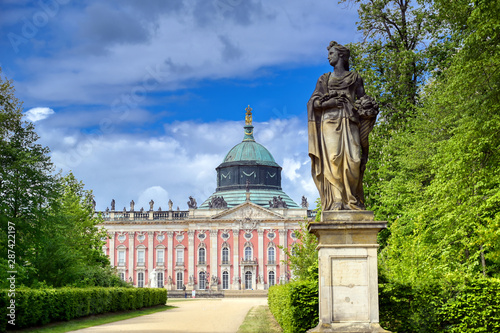 Fotografía  The New Palace in Sanssouci Park located in Potsdam, Germany.