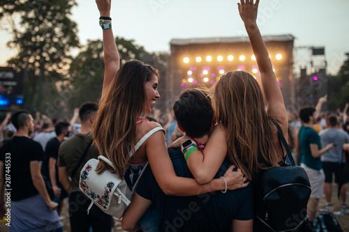 Enjoying the music festival - 287445533