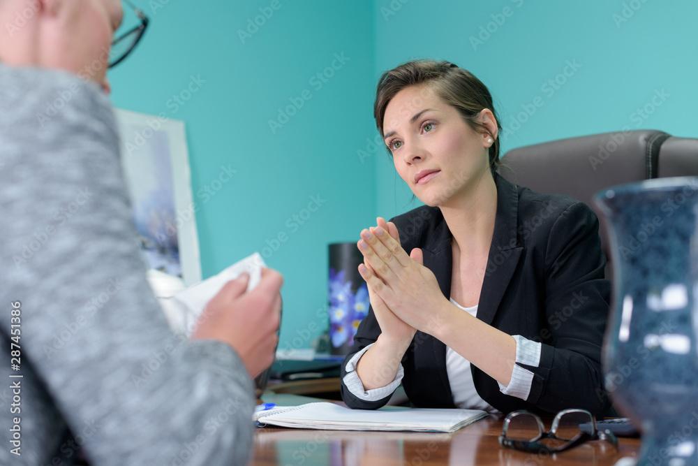 Fototapety, obrazy: two women talking in office
