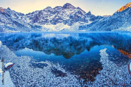 fototapeta na lodówkę Mountains in winter morning