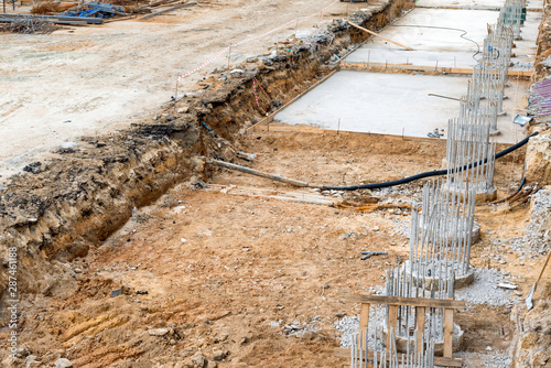 Cadres-photo bureau Pays d Afrique Construction site with building column from concrete