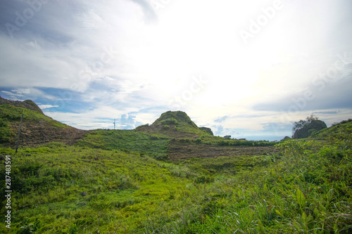 Foto auf Gartenposter Hugel landscape with mountains and clouds