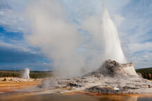 Castle Geyser And Beehive Geys...
