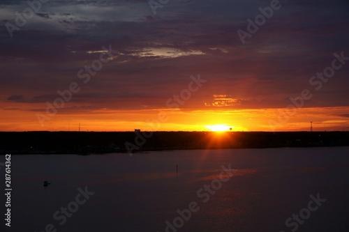 sunset, water, sky, sun, sea, sunrise, landscape, clouds, cloud, nature, lake, evening, dusk, beautiful, dawn, light, horizon, calm, reflection