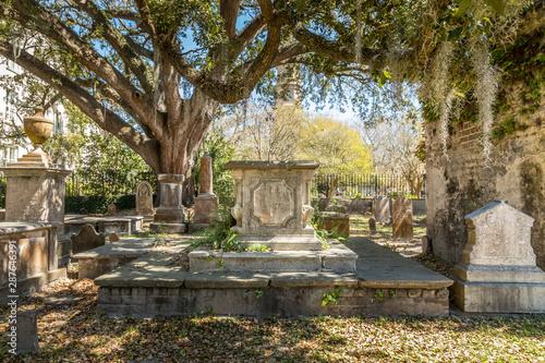 Recess Fitting Cemetery Old historic graveyard in Charleston, South Carolina