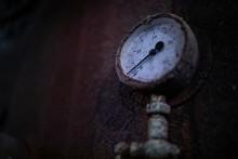 Rusty Sunken Ship Barometer