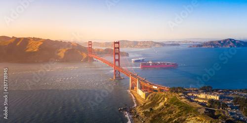 Aerial View of the Golden Gate Bridge at Sunset Fototapet
