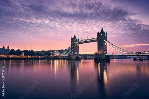 fototapeta na ścianę Tower Bridge at colorful sunrise