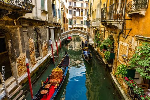 Stickers pour portes Venise Gondolas in Venice, Italy