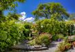 canvas print picture - Schöner Garten im Sommer