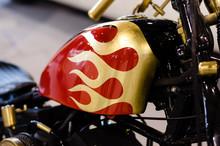 Custom Motorcycle Tank Decorat...