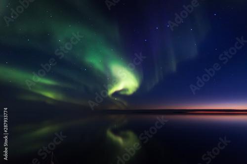 Foto auf AluDibond Nordlicht Northern Boreal Lights at sea in Lady Richardson Bay, Victoria Island, northwest passage in Canada.