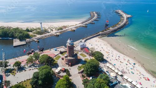 Fototapeta Kołobrzeg – piękne miasto i uzdrowisko nad Morzem Bałtyckim z lotu ptaka obraz