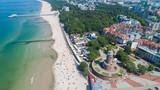 Fototapeta Krajobraz - Kołobrzeg – piękne miasto i uzdrowisko nad Morzem Bałtyckim z lotu ptaka