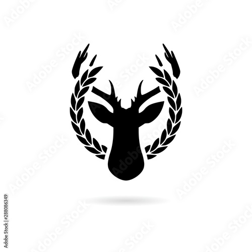 Photo Black and white simple pictogram of the deer head in the laurel wreath