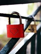 Red Square Metal Wedding Lock ...