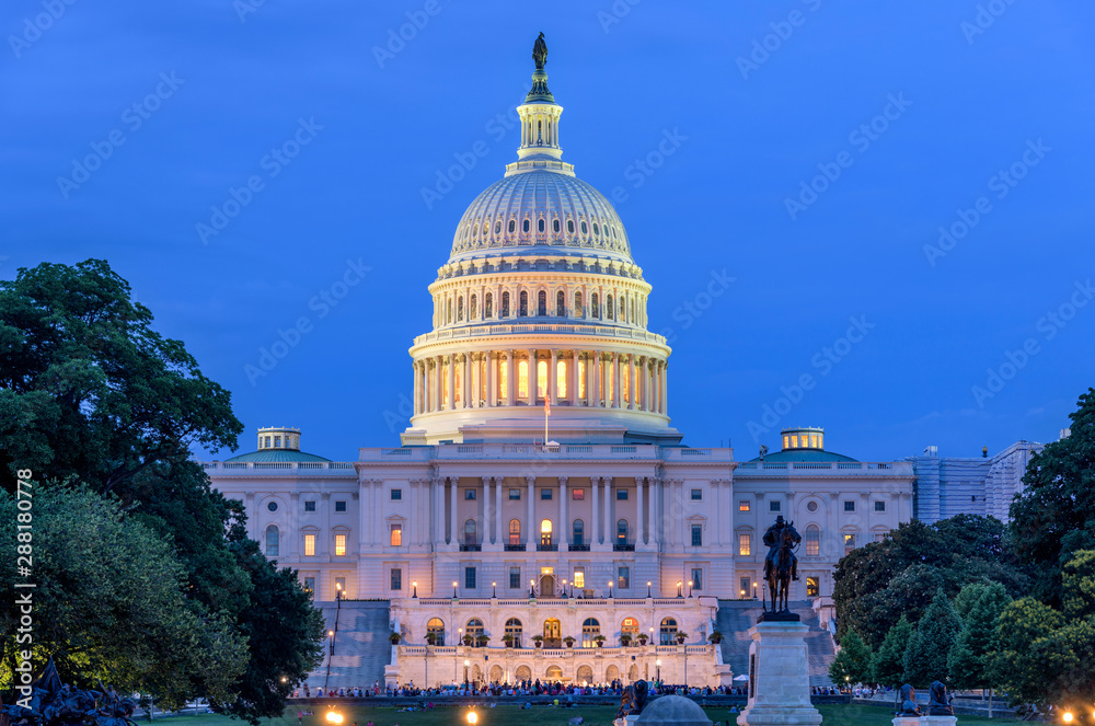 Fototapety, obrazy: Summer Night at Capitol - A dusk view of west-side of U.S. Capitol Building, as a small crowd gathering around a summer concert at front, Washington, D.C., USA. No recognizable trademark or person.