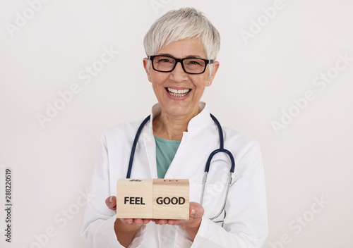 Obraz na plátně  Smiling confident female Doctor Portrait