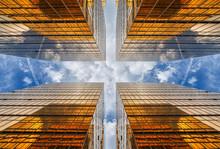 Uprisen Angle Of Hong Kong Sky...