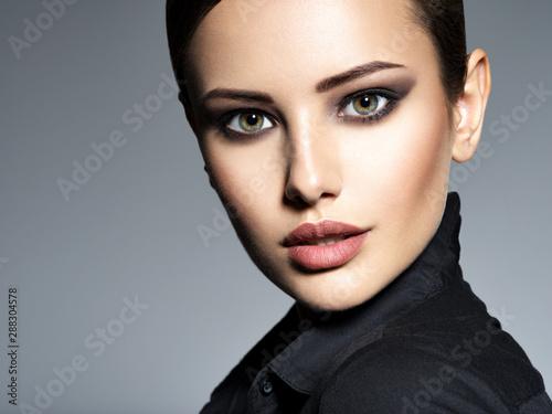 Valokuvatapetti Woman makeup beautiful portrait face hairstyle fashion short