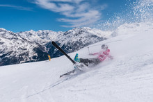 Woman Skier Accident Crash On ...